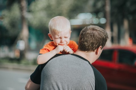 Mengatasi Anak yang Tantrum saat di Tempat Umum
