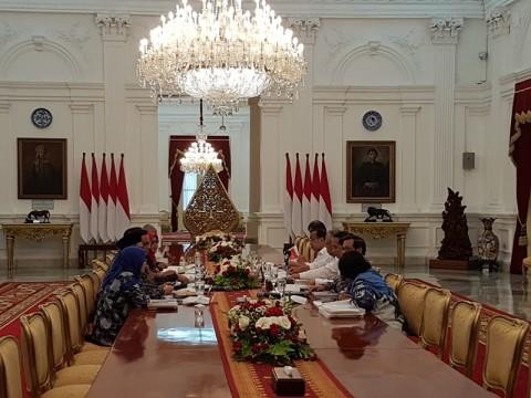 Jokowi Perintahkan Rekonstruksi Rumah Korban Longsor Dipercepat