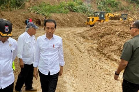 Jokowi Instruksikan Reboisasi Hutan di Jabar dan Banten
