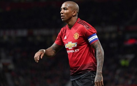 Inter Milan Coba Goda Ashley Young