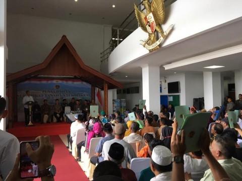 Presiden Jokowi Bagikan Sertifikat Tanah kepada Masyarakat Natuna
