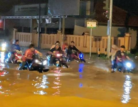 Banjir di Ketanggungan Brebes Mencapai 1,5 Meter