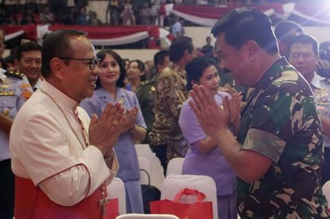 Hadi Tjahjanto Hadiri Perayaan Natal Bersama Prajurit TNI
