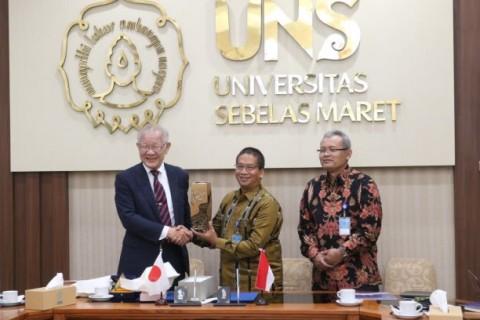 Pertama di Indonesia, UEC Jepang Buka Kantor Cabang di UNS