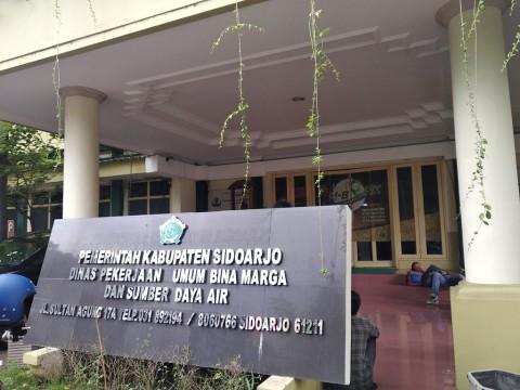Kantor Dinas Pekerjaan Umum Sidoarjo Digeledah KPK