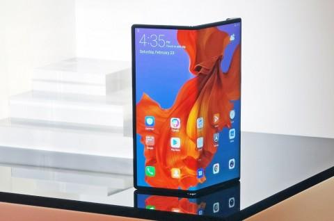 Huawei Jual 100 RIbu Mate X per Bulan