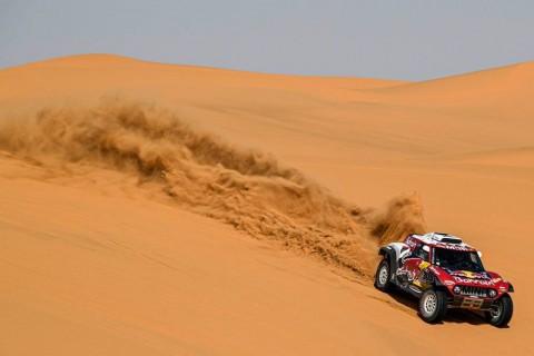 Carlos Sainz Pertegas Posisinya Sebagai Pemimpin Dakar Rally 2020
