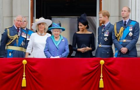 Temui Bangsawan Senior, Ratu Elizabeth Berupaya Atasi Krisis
