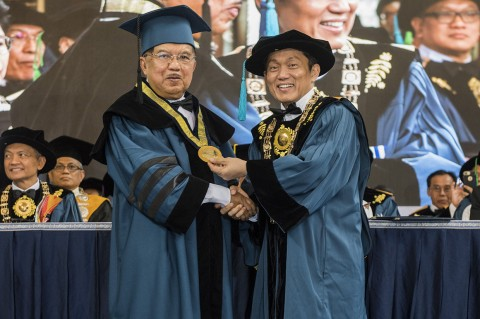 Jusuf Kalla Terima Gelar Doktor Honoris Causa dari ITB