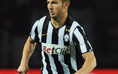 Persija Umumkan Perekrutan Mantan Bek Juventus dan Roma