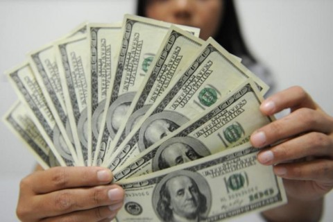 Dolar AS Libas Poundsterling dan Yen