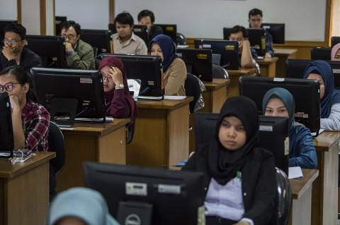 1.000 Peserta Ikuti Tes Simulasi Tes CPNS Berbasis CAT di Bandung