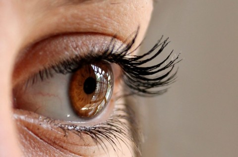 Dampak Negatif Menggosok Mata Berlebihan