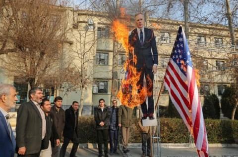 Pengadilan Iran Sebut Dubes Inggris 'Persona Non Grata'