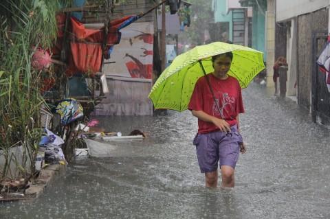 173 Jalan Berlubang Ditambal Pascabanjir