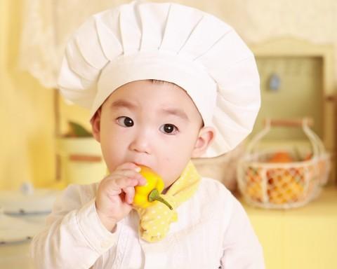 Tips Menjaga Kebersihan Peralatan Makan Bayi