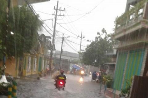 Sejumlah Kawasan di Surabaya Terendam Banjir