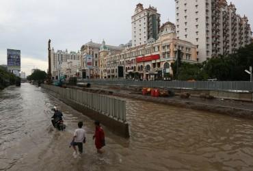 Kelapa Gading Tetap Bersinar Meski Terendam Banjir