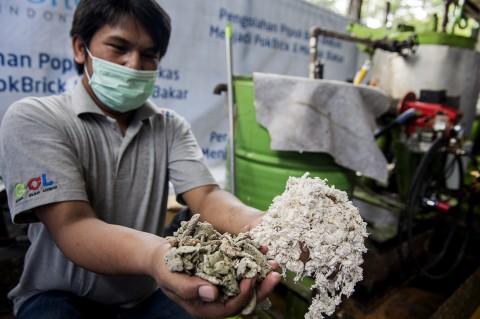 Melihat Proses Daur Ulang Popok Bekas Jadi Subtitusi Minyak Tanah