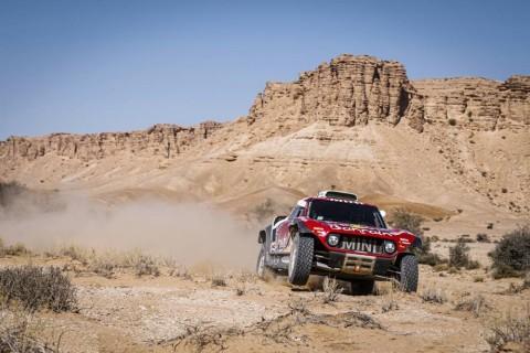 Stephane Peterhansel Melesat di Etape Kesebelas Dakar Rally 2020