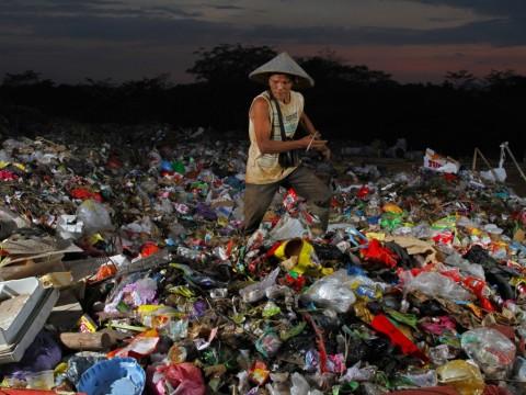 Larangan Kantong Plastik Diharap Tekan Volume Sampah Plastik