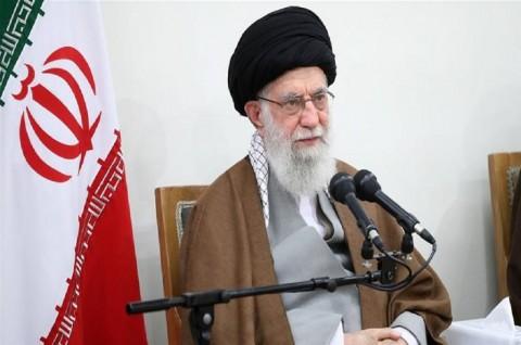 Khamenei Bela Militer Iran Terkait Pesawat Ukraina