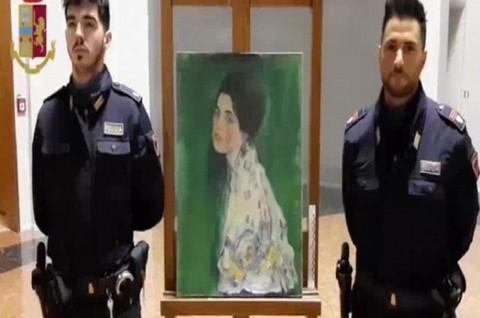 Hilang Sejak 1997, Lukisan Rp900 M Ditemukan di Balik Dinding