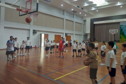 Srikandi Cup dan Pekanbaru Allstars Gelar PEAK <i>Coaching Clinic</i>