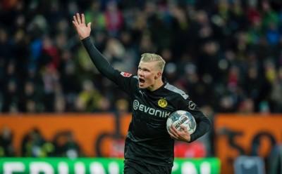 Hattrick Erling Haaland Bantu Dortmund Hajar Augsburg