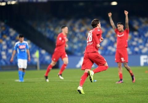 Fiorentina Rebut Kemenangan di Markas Napoli
