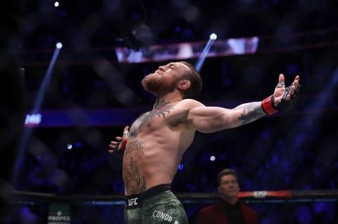 McGregor Menang TKO Atas Cerrone dalam Waktu 40 Detik