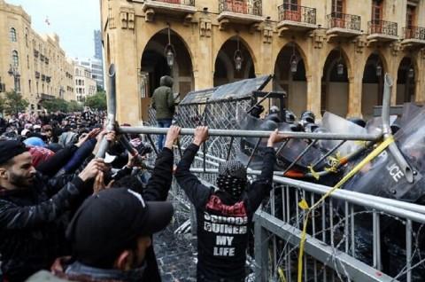 Demo Menentang Pemerintah Lebanon Ricuh, Puluhan Terluka