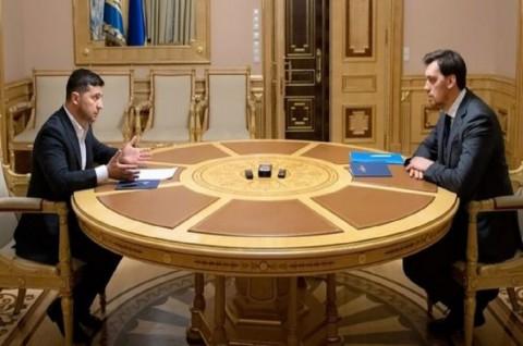 Presiden Zelenskiy Tolak Pengunduran Diri PM Ukraina