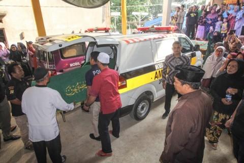Warga Depok Korban Kecelakaan Bus Dapat Santunan