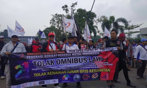 Labor Demonstrations Claims to Reject Omnibus Law