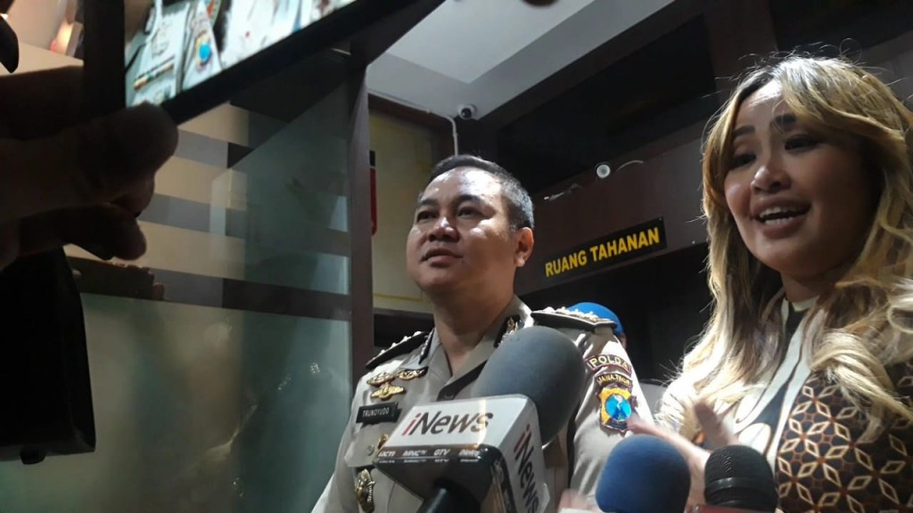 Pinkan Mambo Bantah Terlibat Investasi Bodong Memiles Website