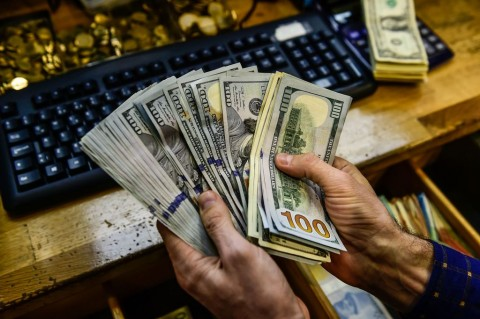 Data Ekonomi Kuat Dorong Dolar AS Naik Tipis