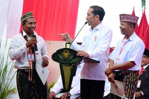 Presiden Serahkan 2.500 Sertifikat Tanah untuk Warga Manggarai Barat