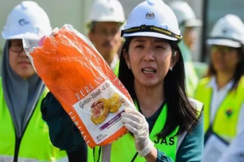 Malaysia Kembalikan 150 Kontainer Sampah Plastik ke 13 Negara