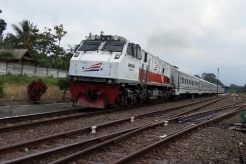 Kereta Api Semarang-Pasar Senen Anjlok
