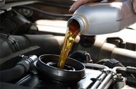 Pahami Ciri Pelumas Mobil yang Terkontaminasi