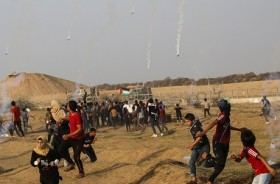 Lompati Pagar Pembatas Israel, Tiga Warga Palestina Ditembak
