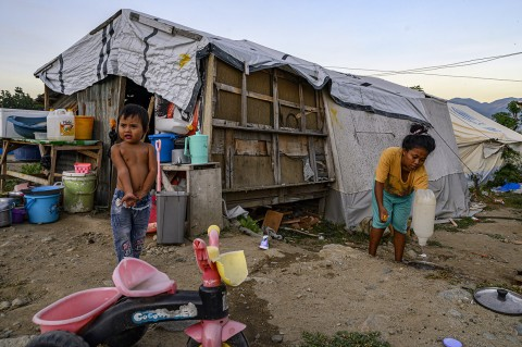 Korban Bencana Lekuifaksi Balaroa Bertahan di Tenda Darurat