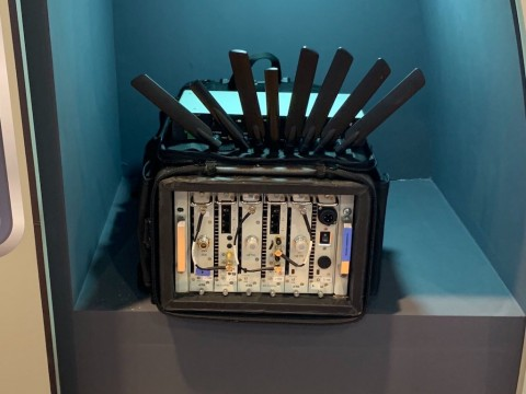 Ponsel Bos Amazon Kebobolan Pakai Teknologi Israel?