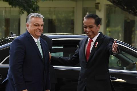 Jokowi Terima Kunjungan Kehormatan PM Hongaria