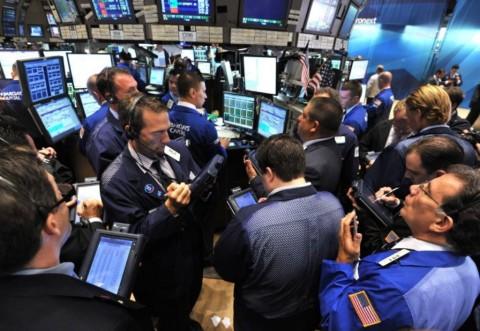 Berita Virus Korona Kendalikan Pasar, Wall Street Bervariasi