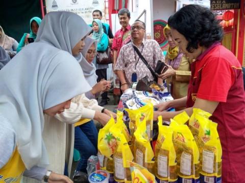 Vihara di Cirebon Gelar Pasar Murah Jelang Imlek