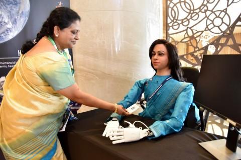 India akan Kirim Robot Perempuan ke Ruang Angkasa