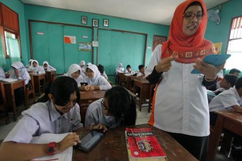 Guru Honorer Berharap Diangkat sebagai ASN