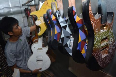 Gitar Buatan Indonesia Laris Manis di Amerika Serikat